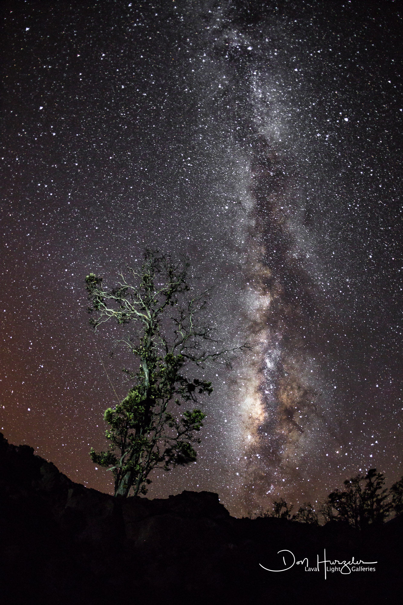Taken at about 5000 feet up at the darkest spot on the island.